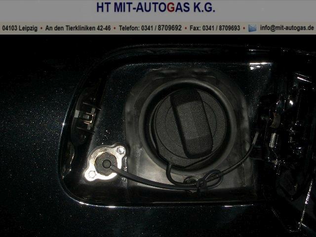 VW Touareg W 12 mit 2x 6 Zylinder VSI Prins Autogasanlage.